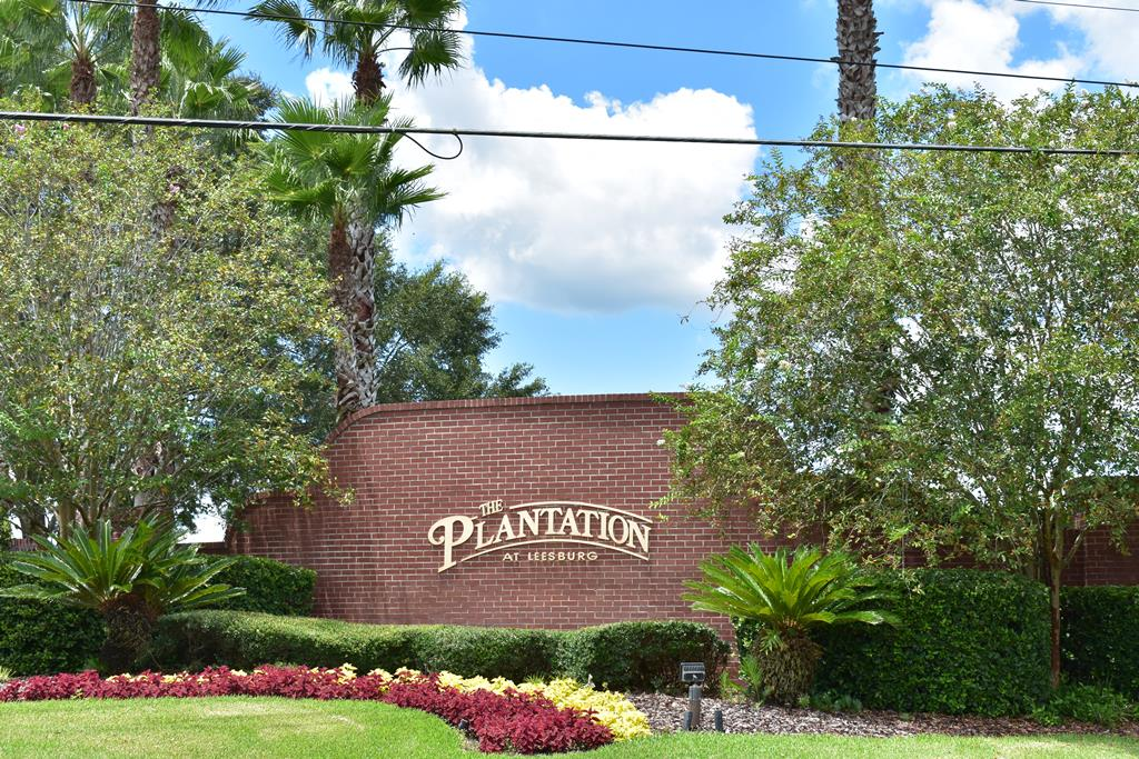 active adult living in leesburg fl